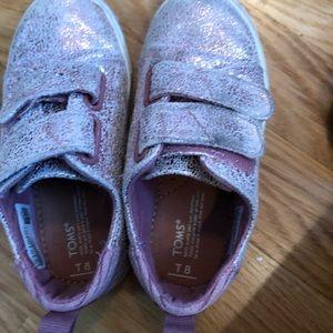Toms toddler girls size 8 sneaker in pink